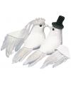 Huwelijksdecoratie witte duiven met sluier en hoed 8 cm